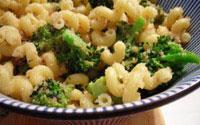 Pasta con brocoli y ajo